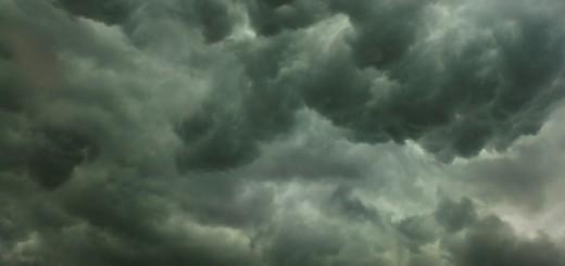 Storm en regen veroorzaken instorting dak vliegveld Faro
